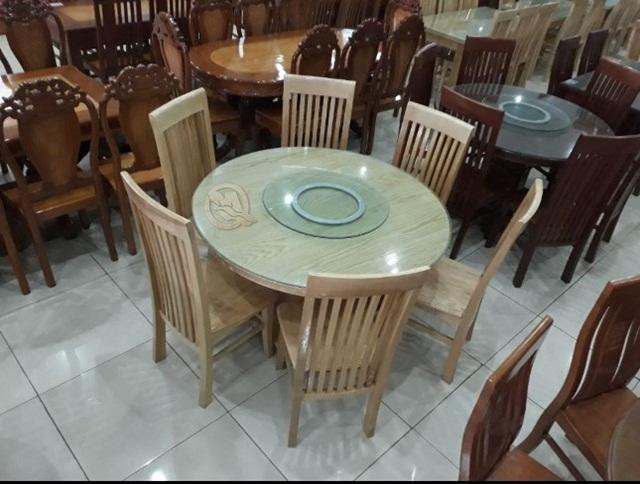 Bộ bàn ăn gỗ sồi nan dài bàn xoay mang biểu tượng hạnh phúc, sum vầy, vẹn tròn