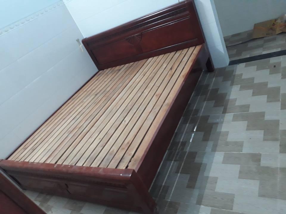 Gường ngủ gỗ tự nhiên