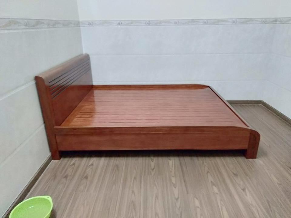 Giường ngủ gỗ tự nhiên