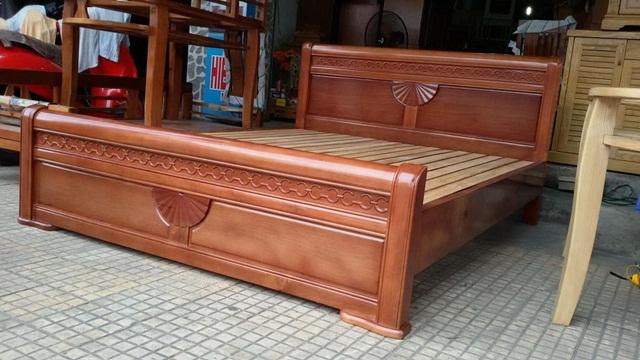 Giường gỗ xoan đào quạt đem đến sự đẳng cấp cho căn phòng ngủ
