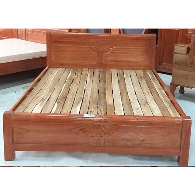 Giường ngủ xoan đào có vân gỗ đẹp và chịu lực tốt