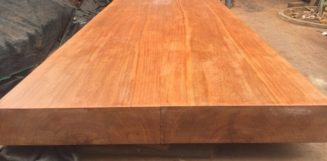 Gỗ gõ đỏ - Loại gỗ quý, có giá trị kinh tế cao