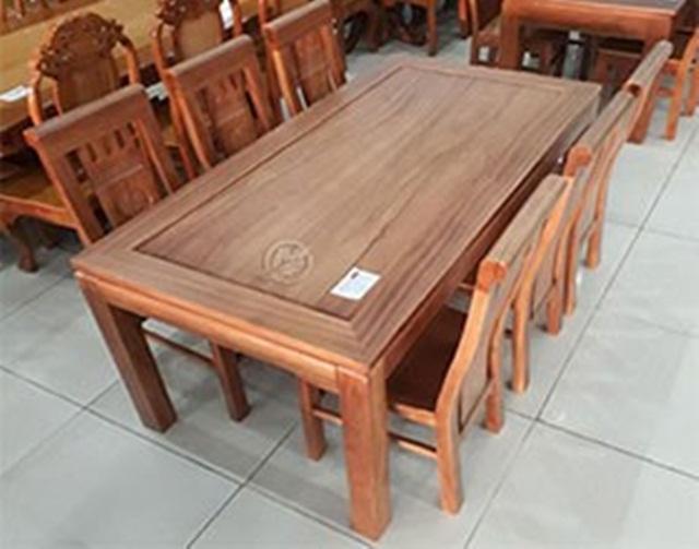 Những lưu ý nào nên biết khi chọn mua bộ bàn ghế ăn gỗ gõ đỏ?