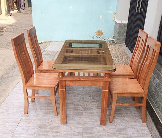 Những thông tin bạn nên tham khảo ngay về bàn ăn gỗ xoan đào và gỗ sồi