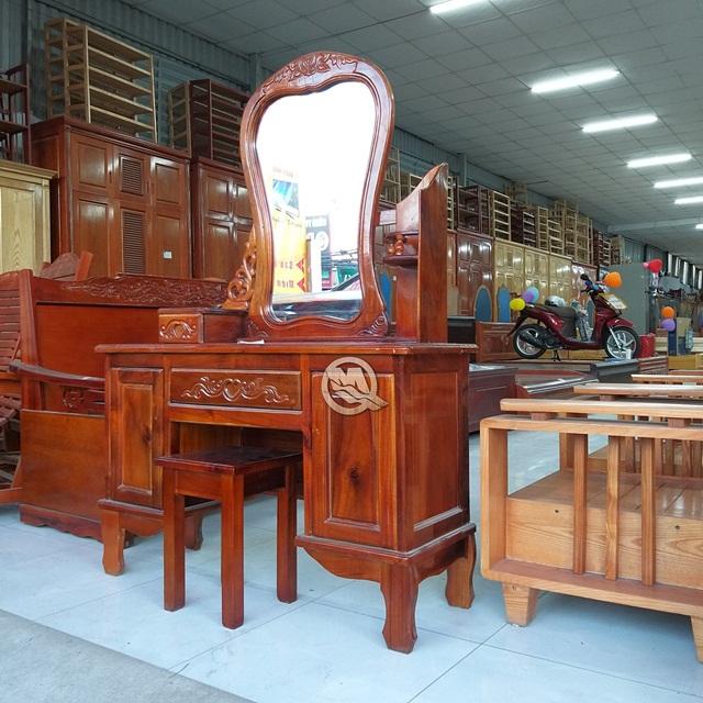 Chất liệu gỗ sồi giúp mẫu bàn trang điểm gỗ tự nhiên đẹp có độ bền cao
