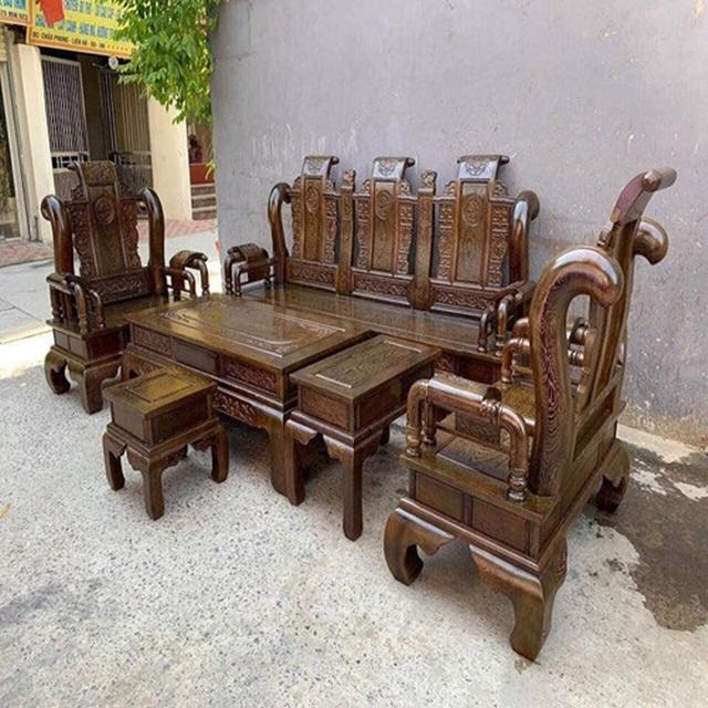 Bộ bàn ghế gỗ mun họa tiết Tần Thủy Hoàng