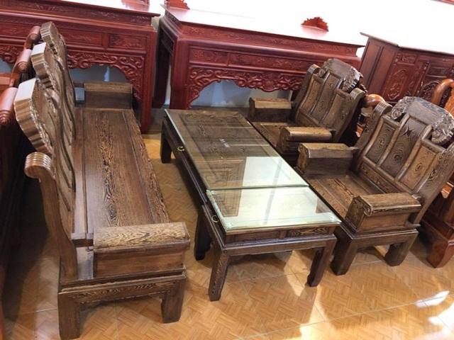 Bộ bàn ghế gỗ mun chạm trổ voi