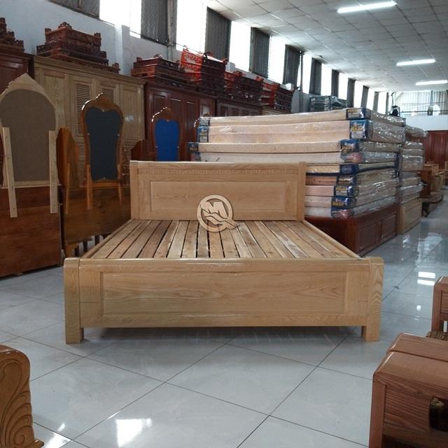 Giường ngủ gỗ sồi PT SP 639 - Sản phẩm của Công ty Minh Quốc