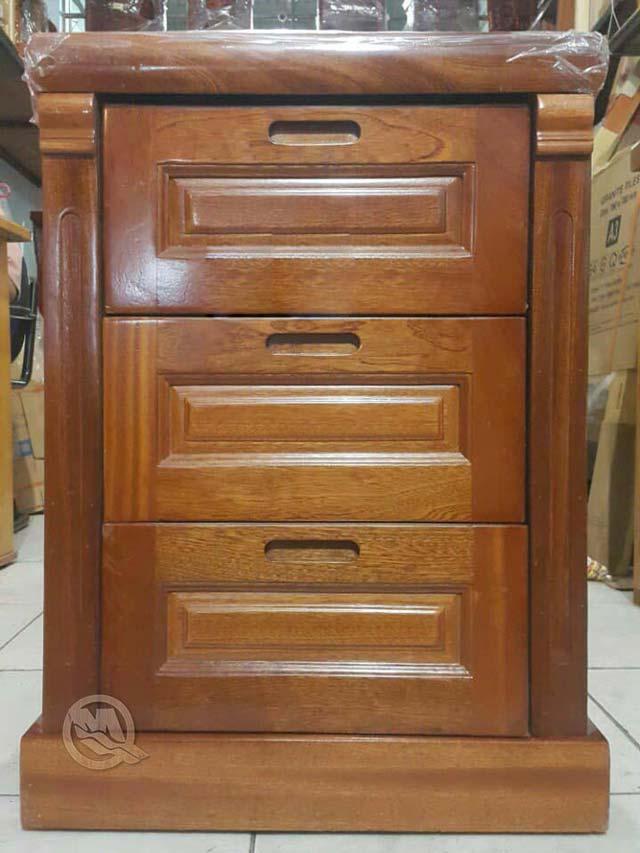 Tủ Đầu Giường 3 Hộc Xoan Tay Âm - SP140